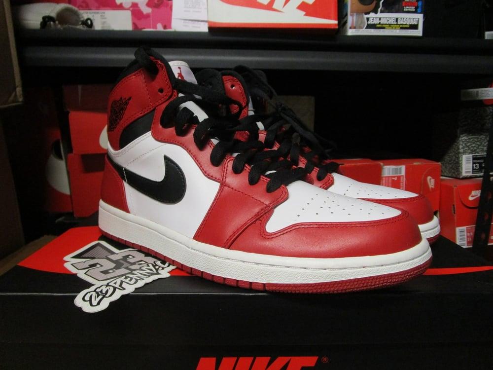 "Image of Air Jordan I (1) Retro High ""Chicago"" 2013 *PRE-OWNED*"
