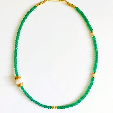 Image of Emerald and Single Pearl Necklace