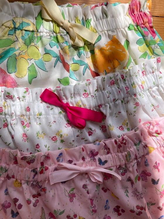 Image of Pyjamas shorts en  coton Prune Cirelli x Villa Atlantida Doux été , Limonade etConter fleure