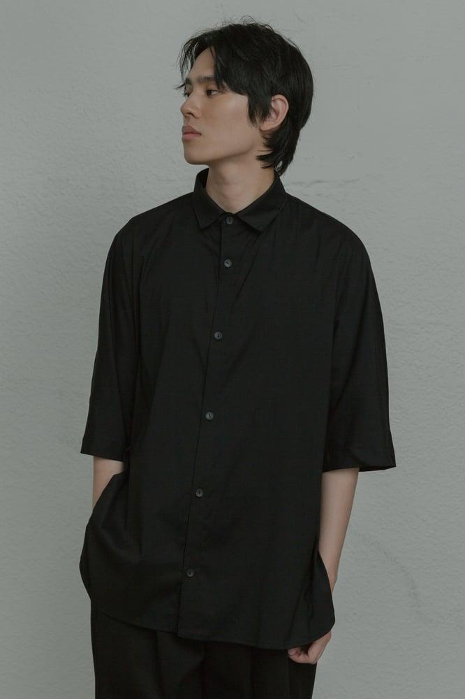 Image of TRAN - 寬版簡約短袖襯衫 (黑)