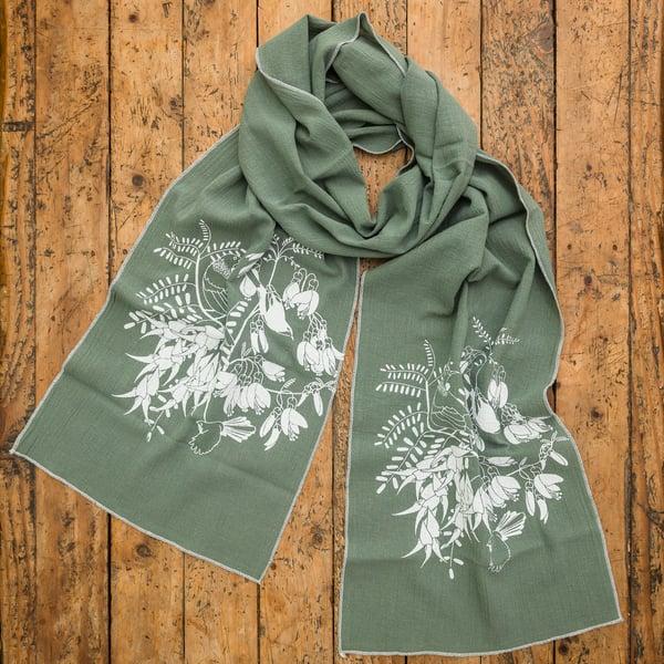 Image of 'Aotearoa Botanica' Cotton Scarf (Green)
