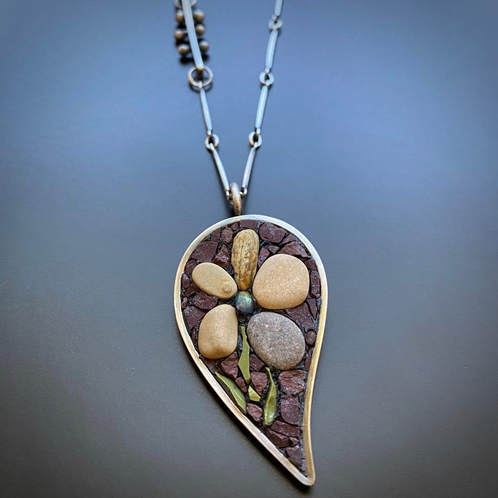 Image of Pebble Flower Leaf Pendant