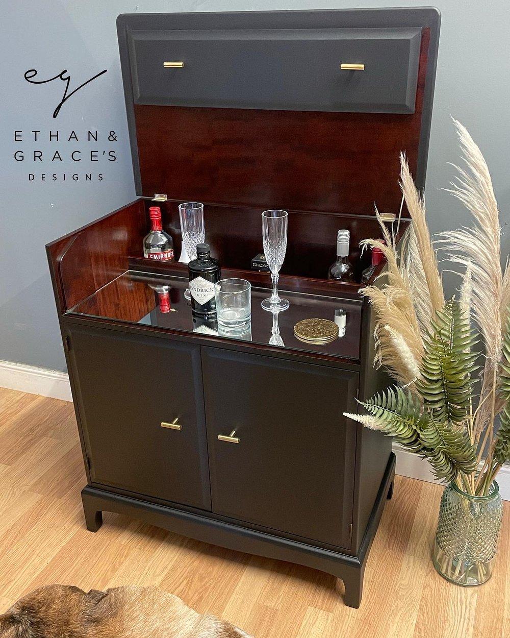 Image of Stunning black drinks cabinet!