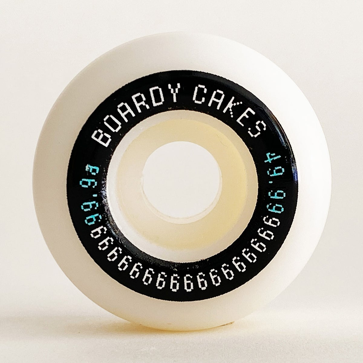 """Image of Boardy Cakes 49.99mm 99.9a """"Round Ups"""""""