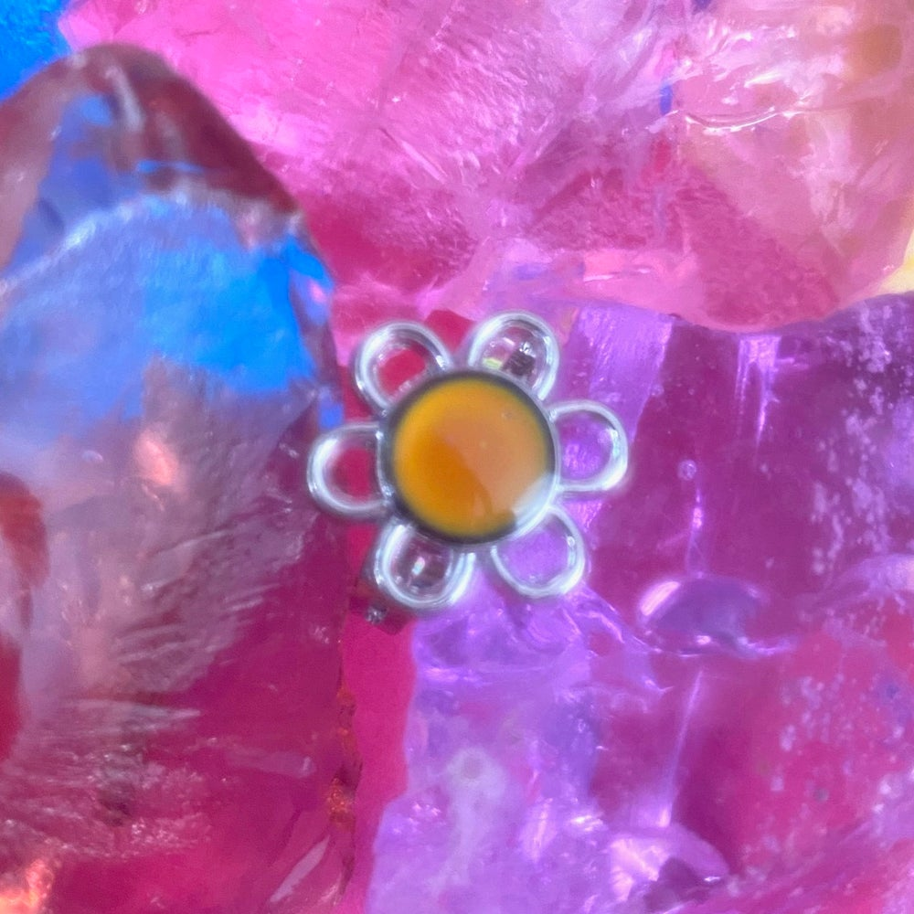 Image of GROOVY FLOWER MOOD RING
