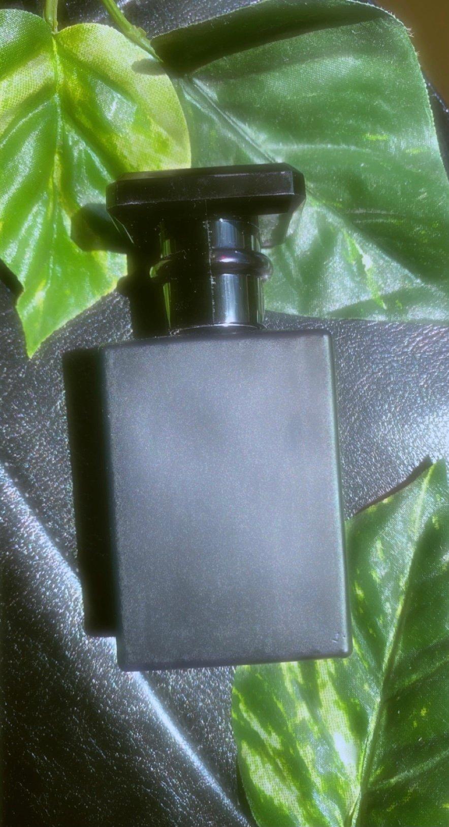 Image of tobacco vanilla fragrance black matte 30mL