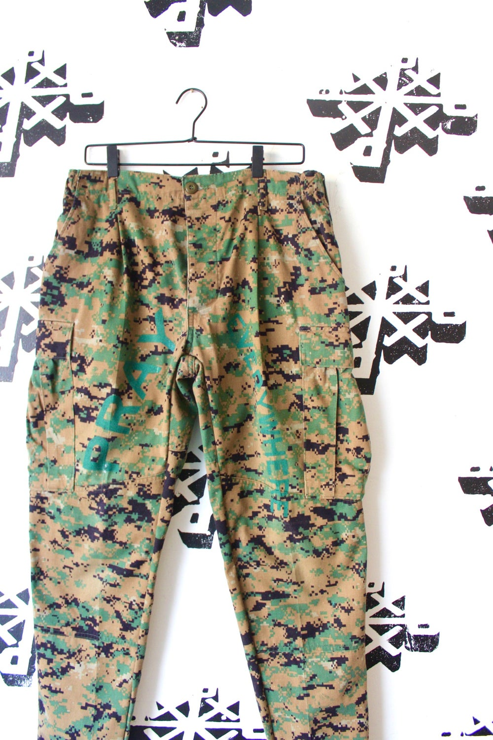 this how we coming camo cargo pants