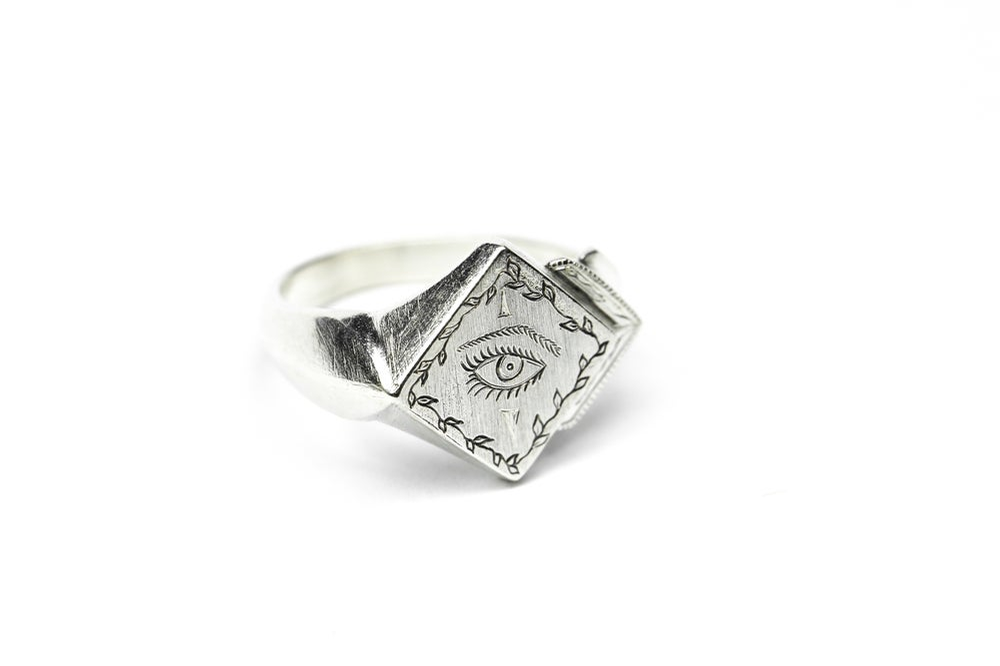 Image of Diamond Eye Signet