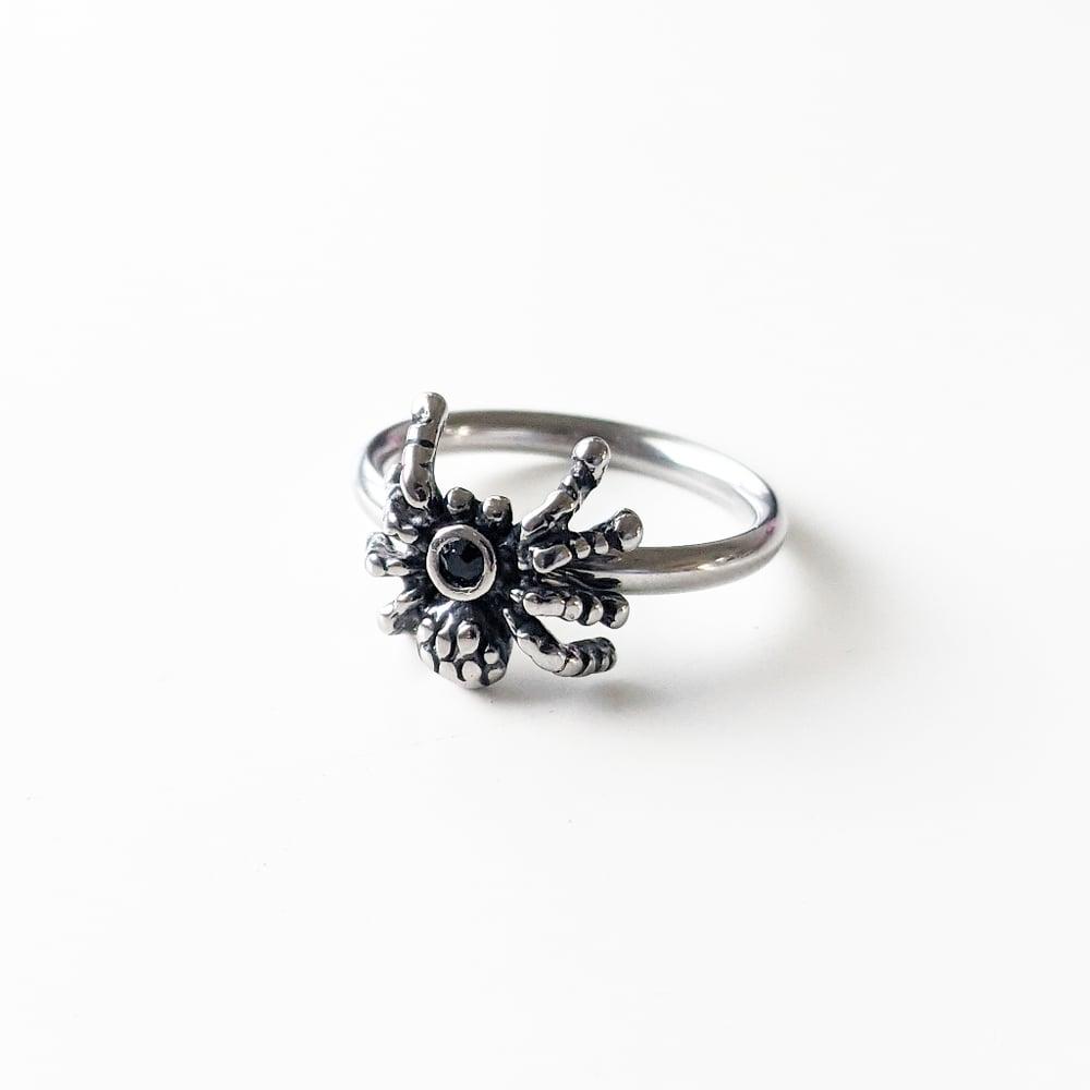 Image of Spider Midi Ring