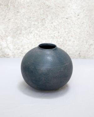 Image of Vase Moon (n3)