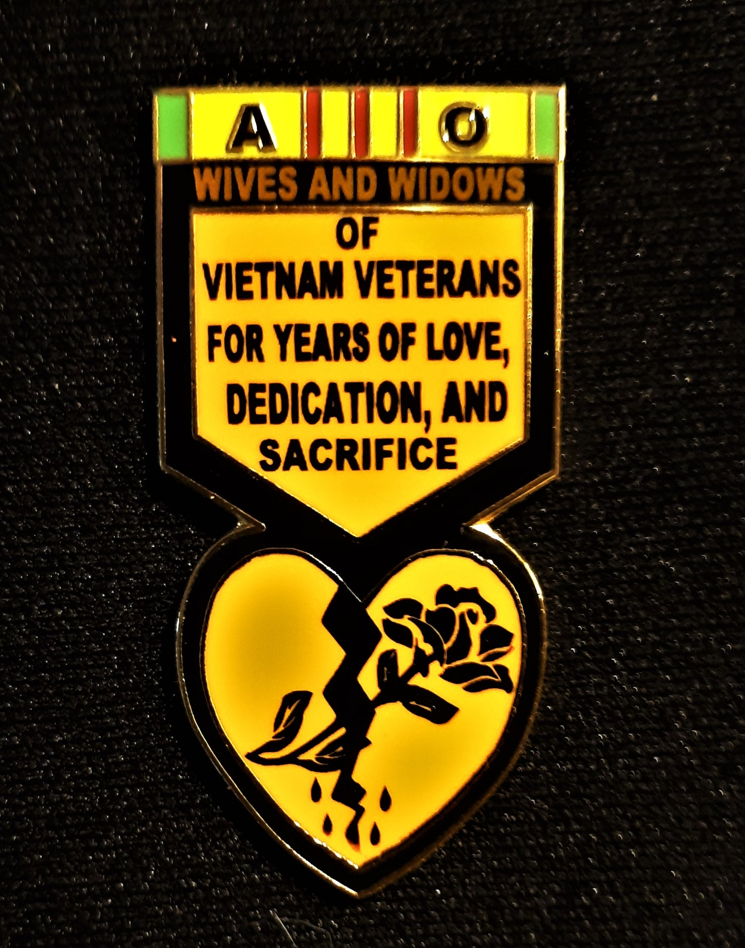 Image of Wives and Widows of Vietnam Veterans pin