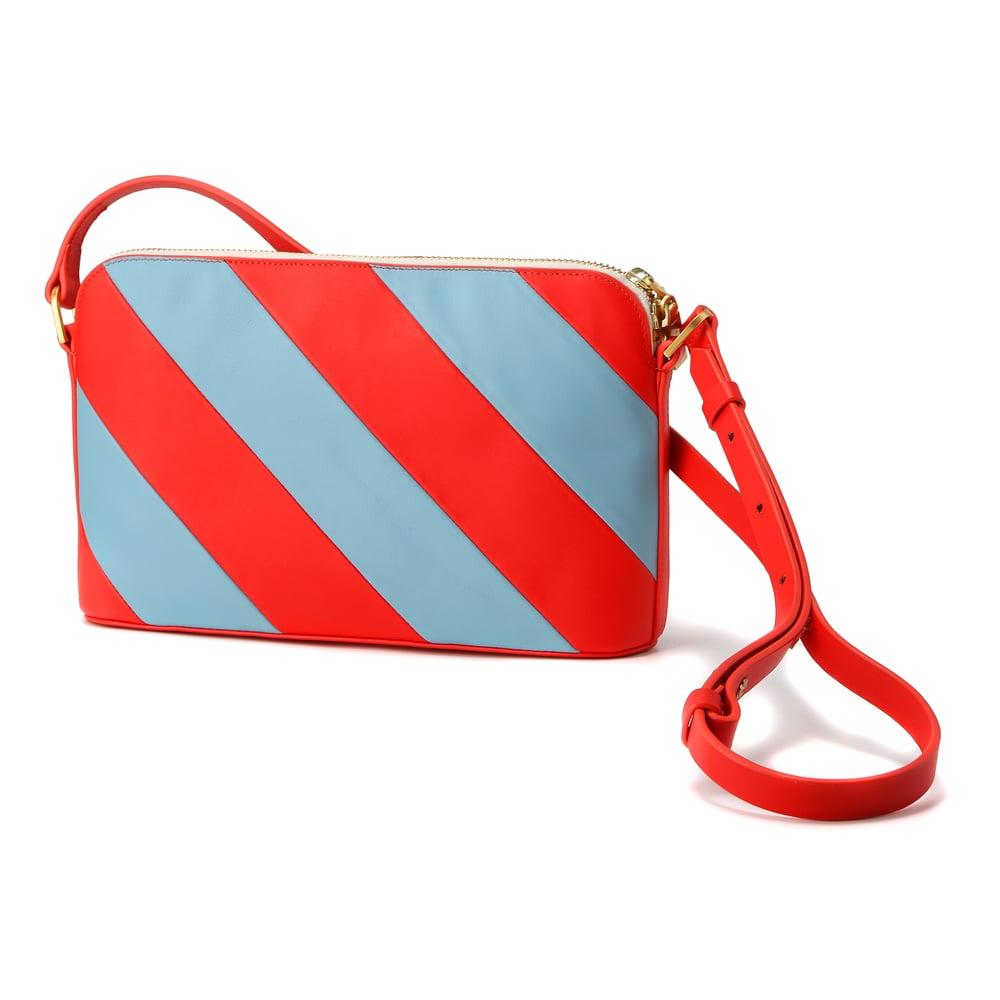 Hama Shoulder Bag • LIGHT BLUE