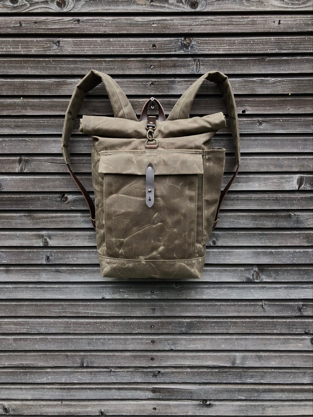 Image of School backpack in waxed canvas / waterproof backpack with padded shoulder straps and water bottle p