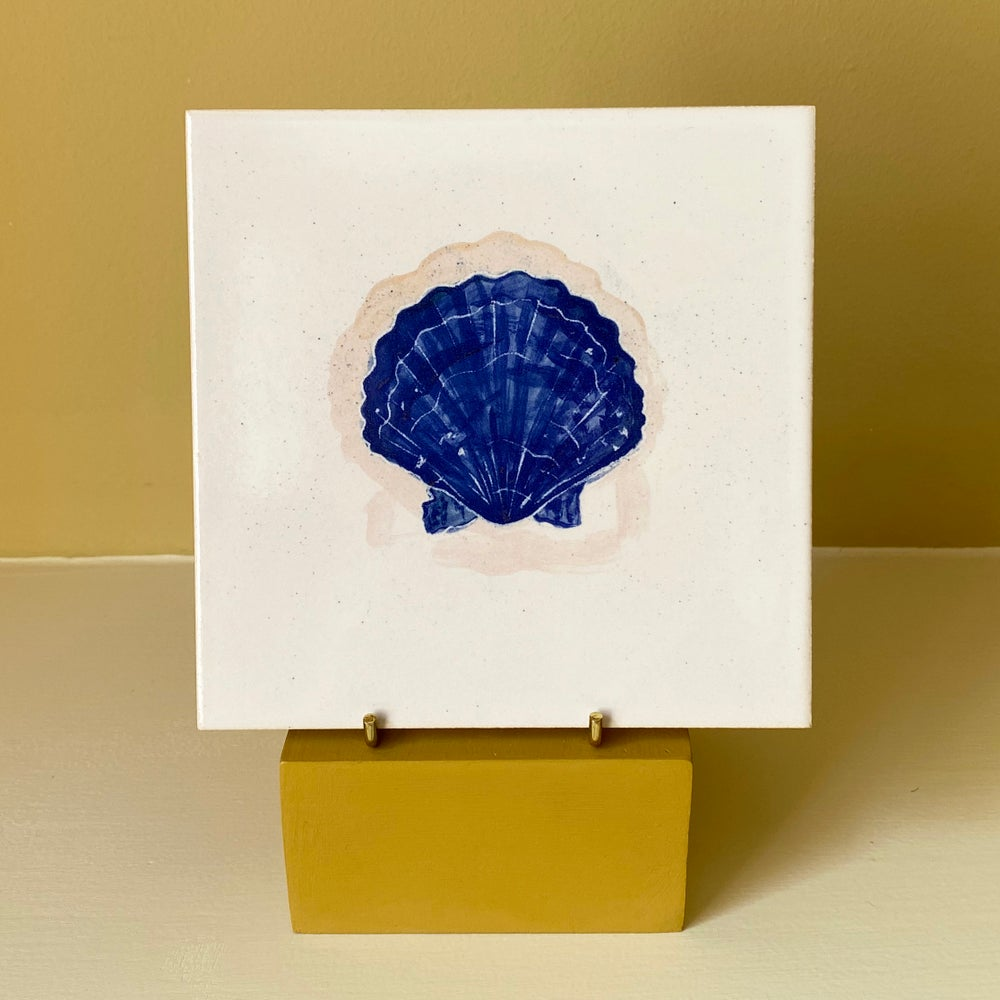 Image of Scallop Shell Cobalt Tile