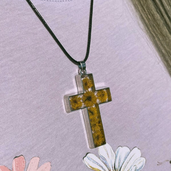 Image of Ixia - Cross Shaped Pressed Flower necklace