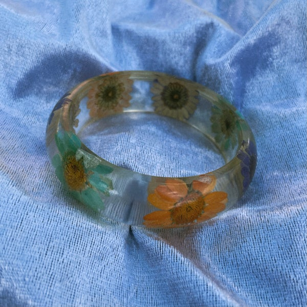 Image of Aster - Dried flower clear bangle