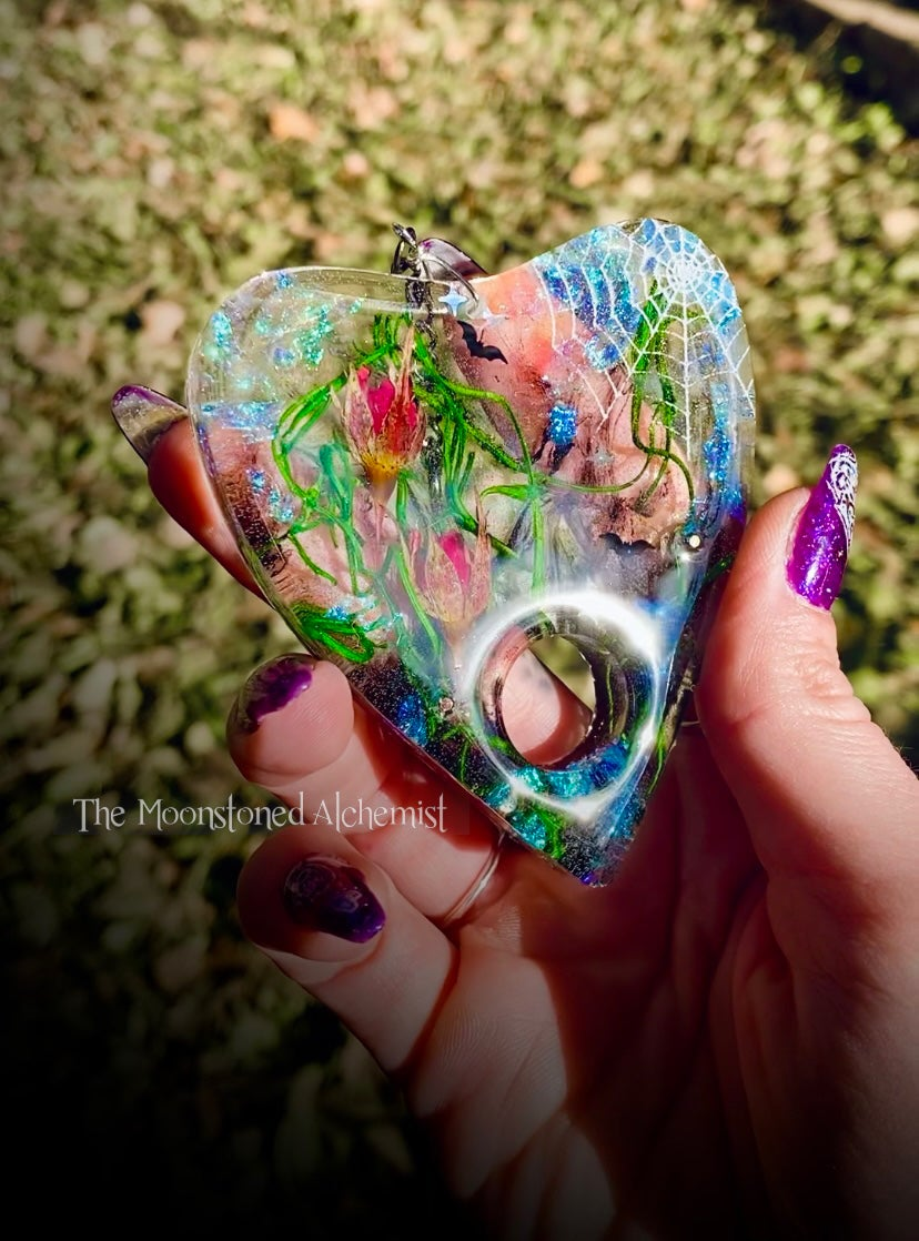 Image of Webbed Planchette with Rosebuds