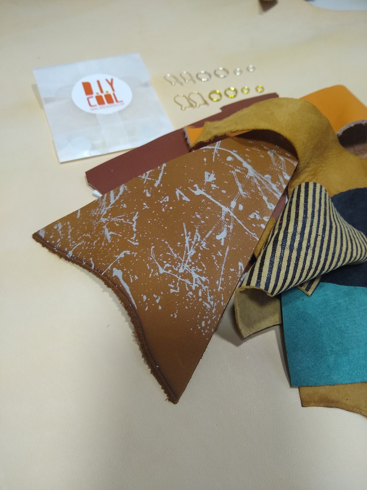 Image of Leather Earrings & Things Crafty Box