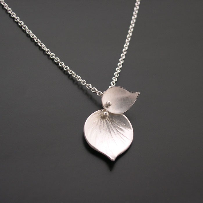Image of Double Leaf Pendant