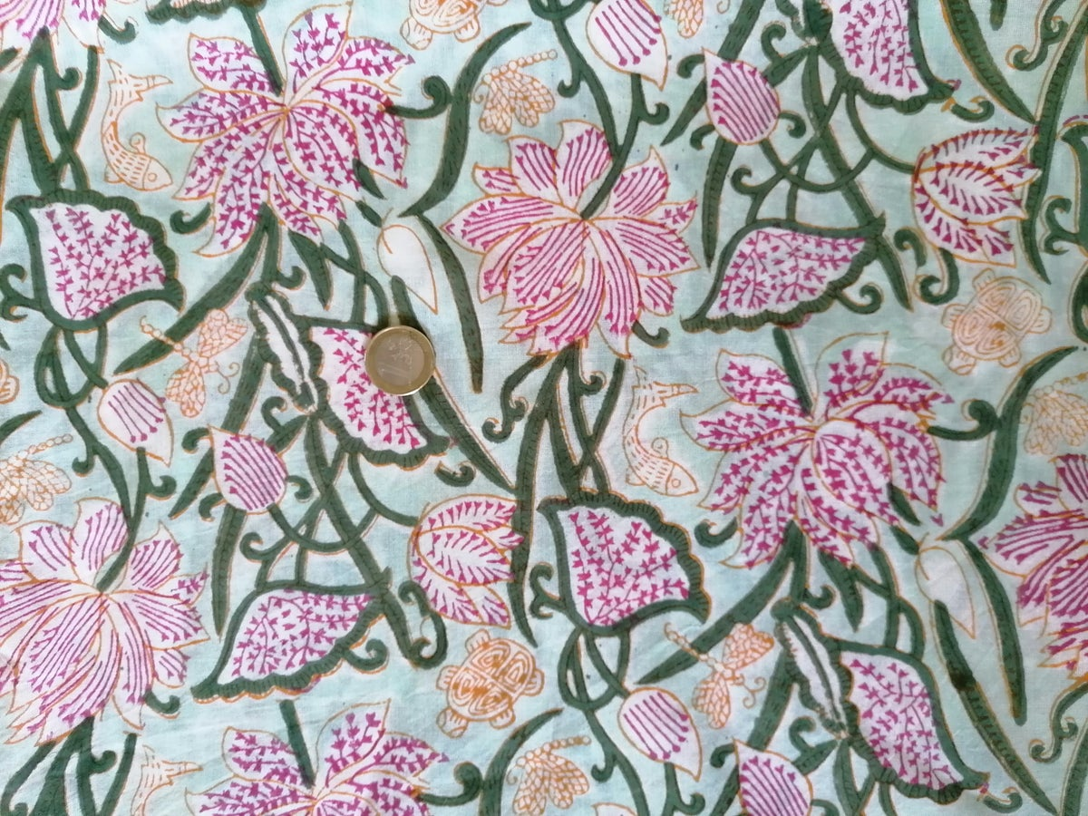 Image of Namasté fabric animaux