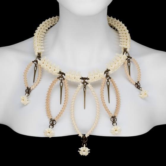 "Image of ""Risa"" Snake Vertebrae Necklace"