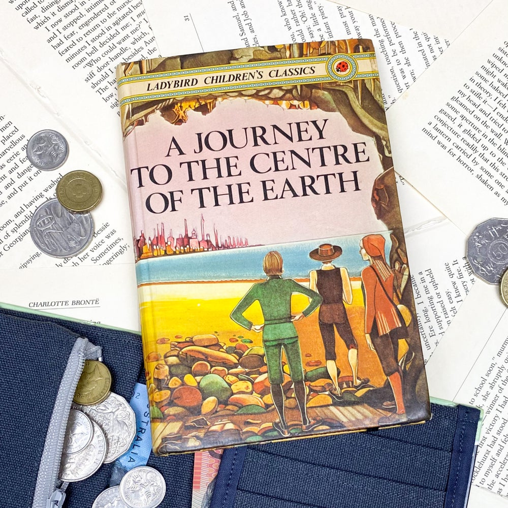 Image of A Journey to the Centre of the Earth Book Wallet