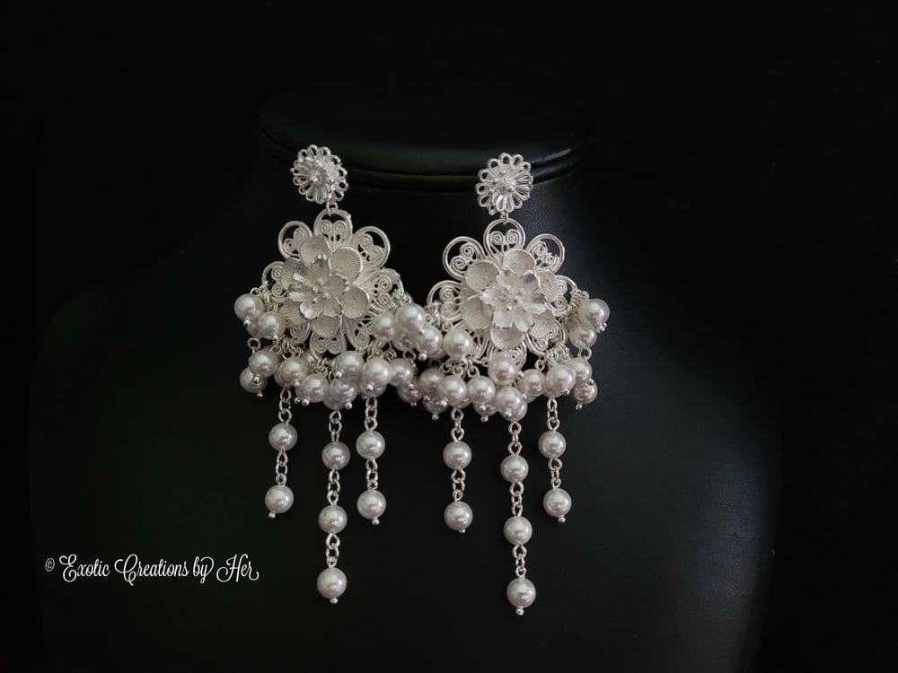 White Gardenia Earrings