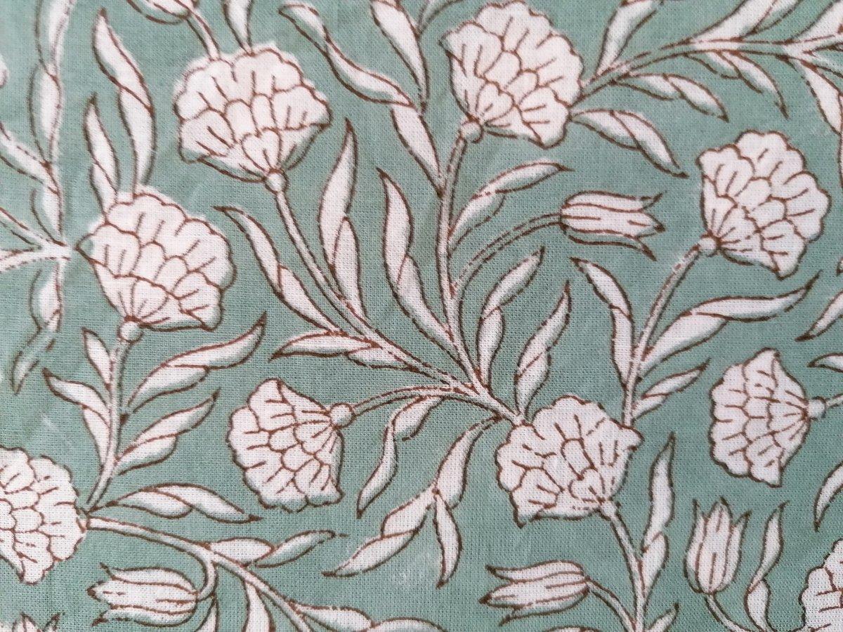 Image of Namasté fabric petits œillets fond vert