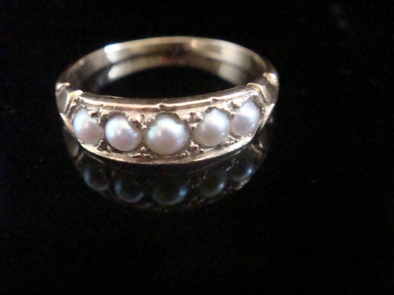Image of VICTORIAN 18CT YELLOW GOLD SPLIT PEARL 5 STONE RING