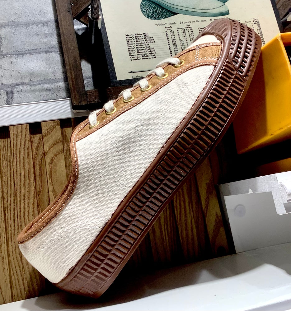 Image of VEGANCRAFT vintage style natural canvas lo top sneaker shoes made in Slovakia