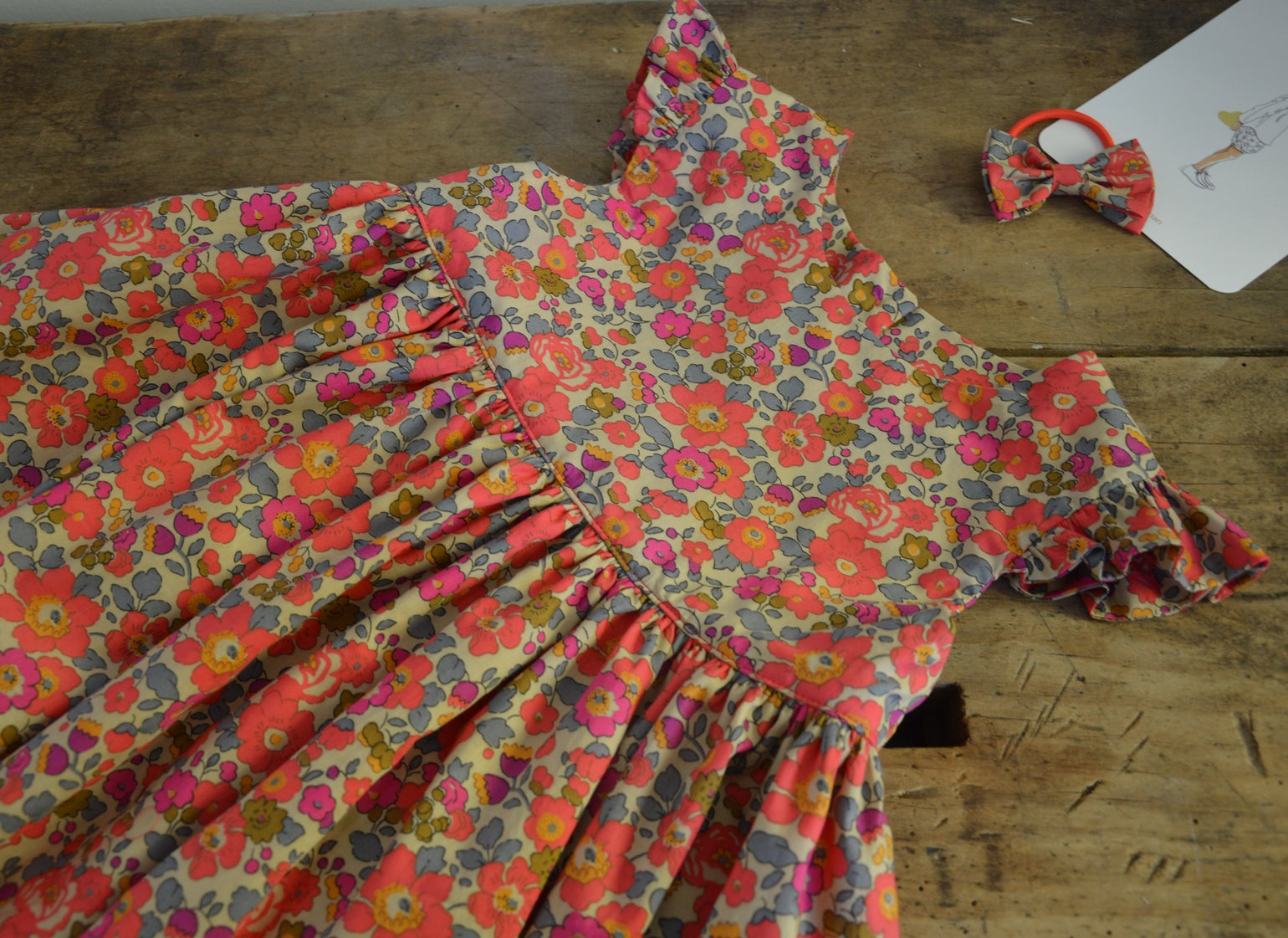 Image of Robe liberty betsy fluo thé volants aux manches