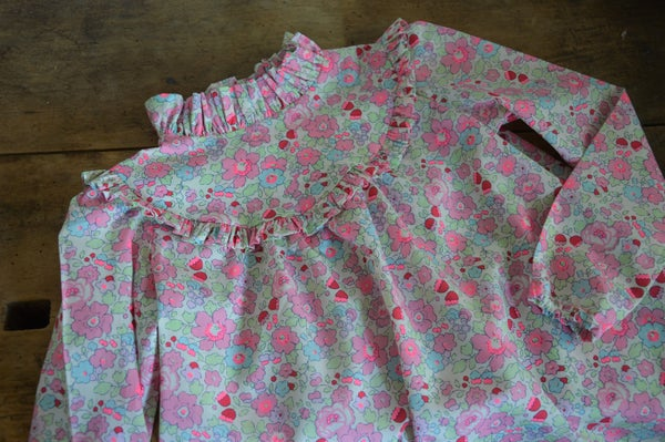 Image of blouse liberty betsy tartelette col montant