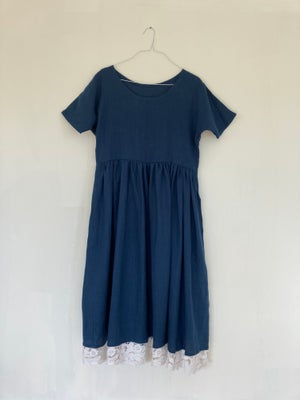 Image of Lila Navy Linen