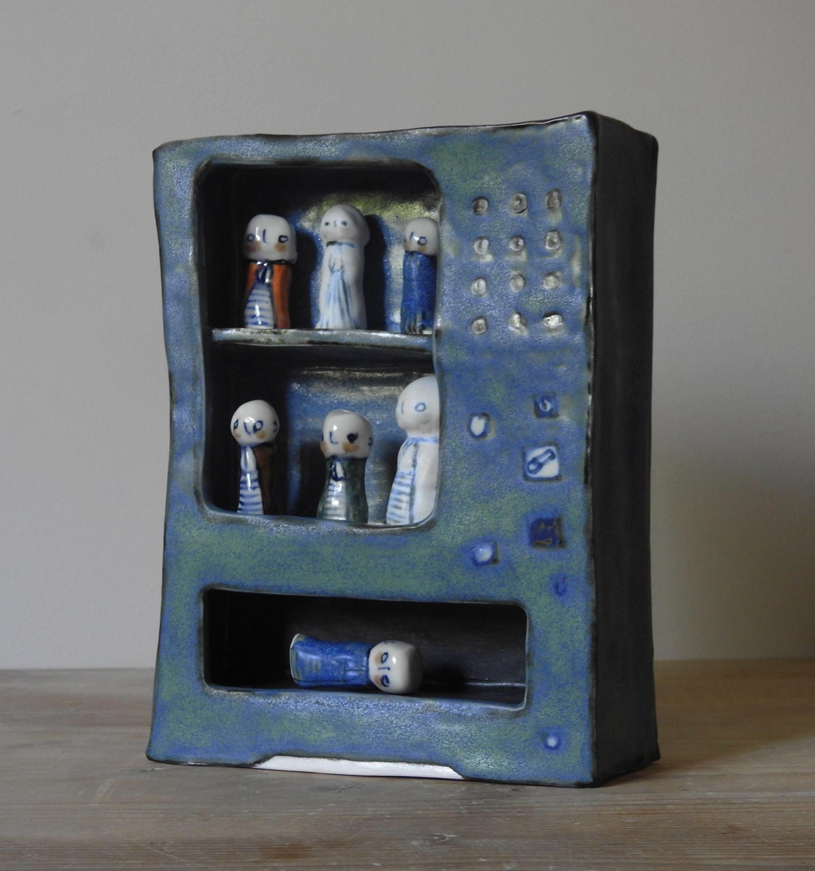 Image of 'Play' vending machine - jizos