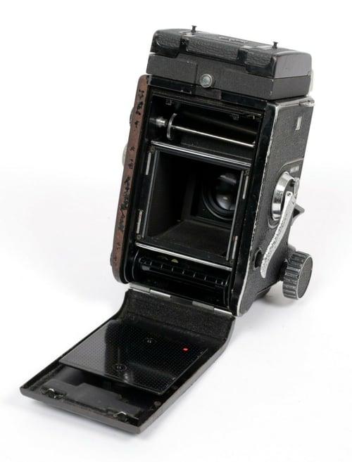 Image of Mamiya C330 Pro F 6X6 TLR camera + WLF + 80mm F2.8 Blue Dot lens NEW LIGHT SEALS
