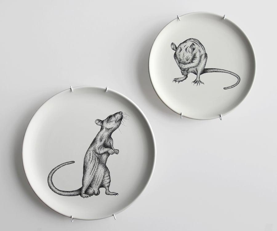 """Image of Hand-illustriertes dekoratives Teller Set I Set of hand-illustrated decorative plates """"RATTE MAL"""""""