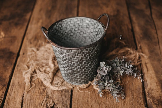Image of Bucket with pattern
