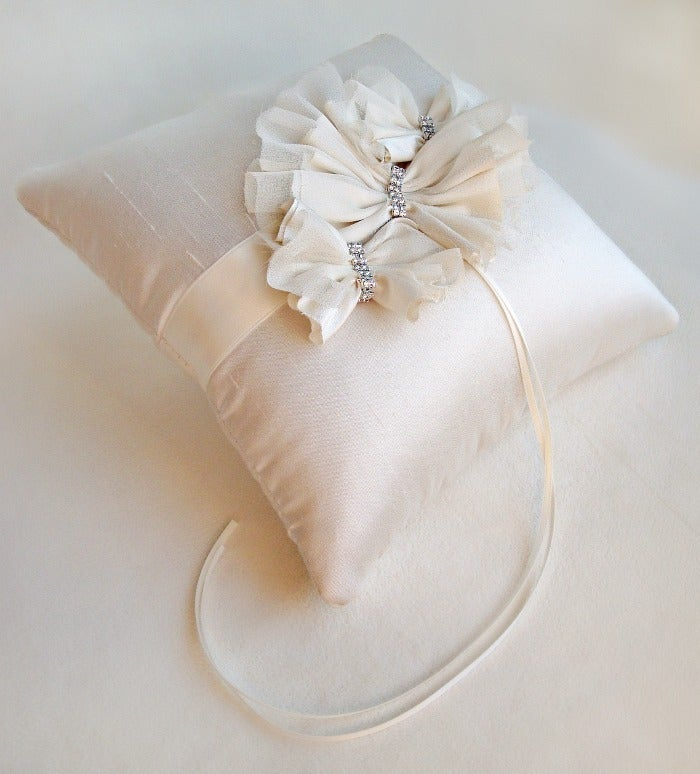 Image of The Aella Ring Bearer Pillow