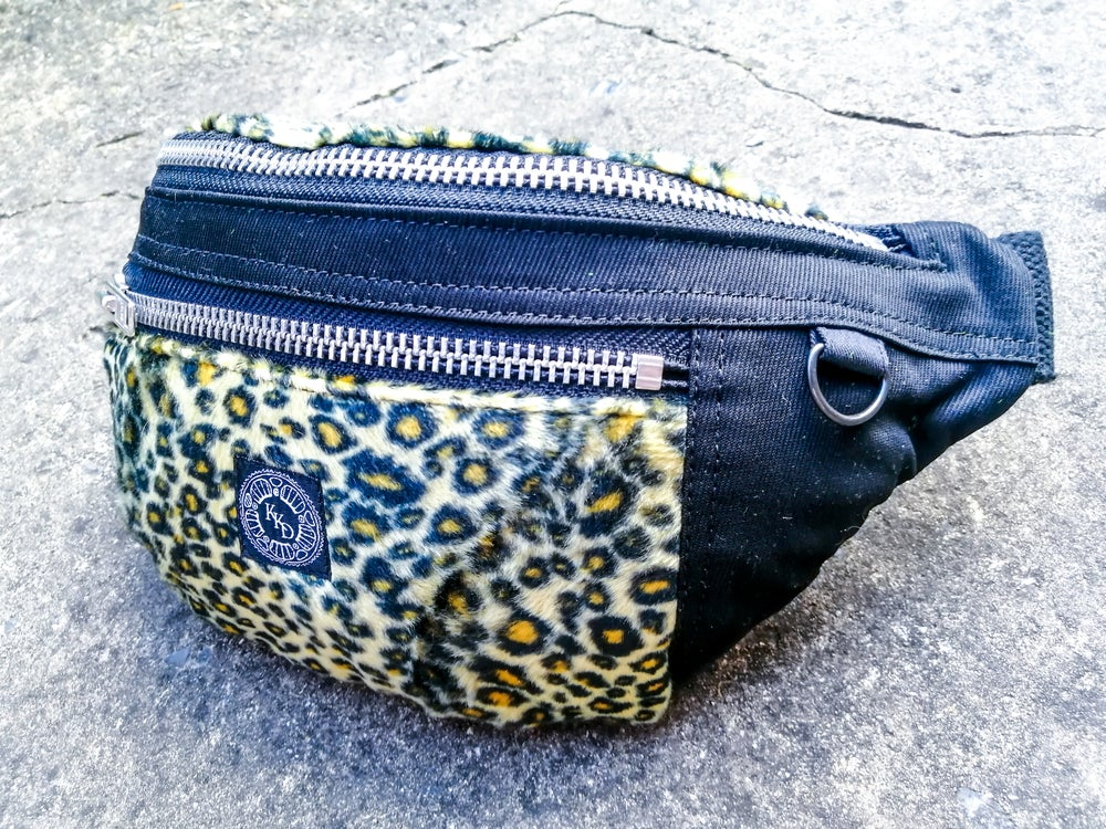 Image of YELLOW LEOPARD -HIPBAG