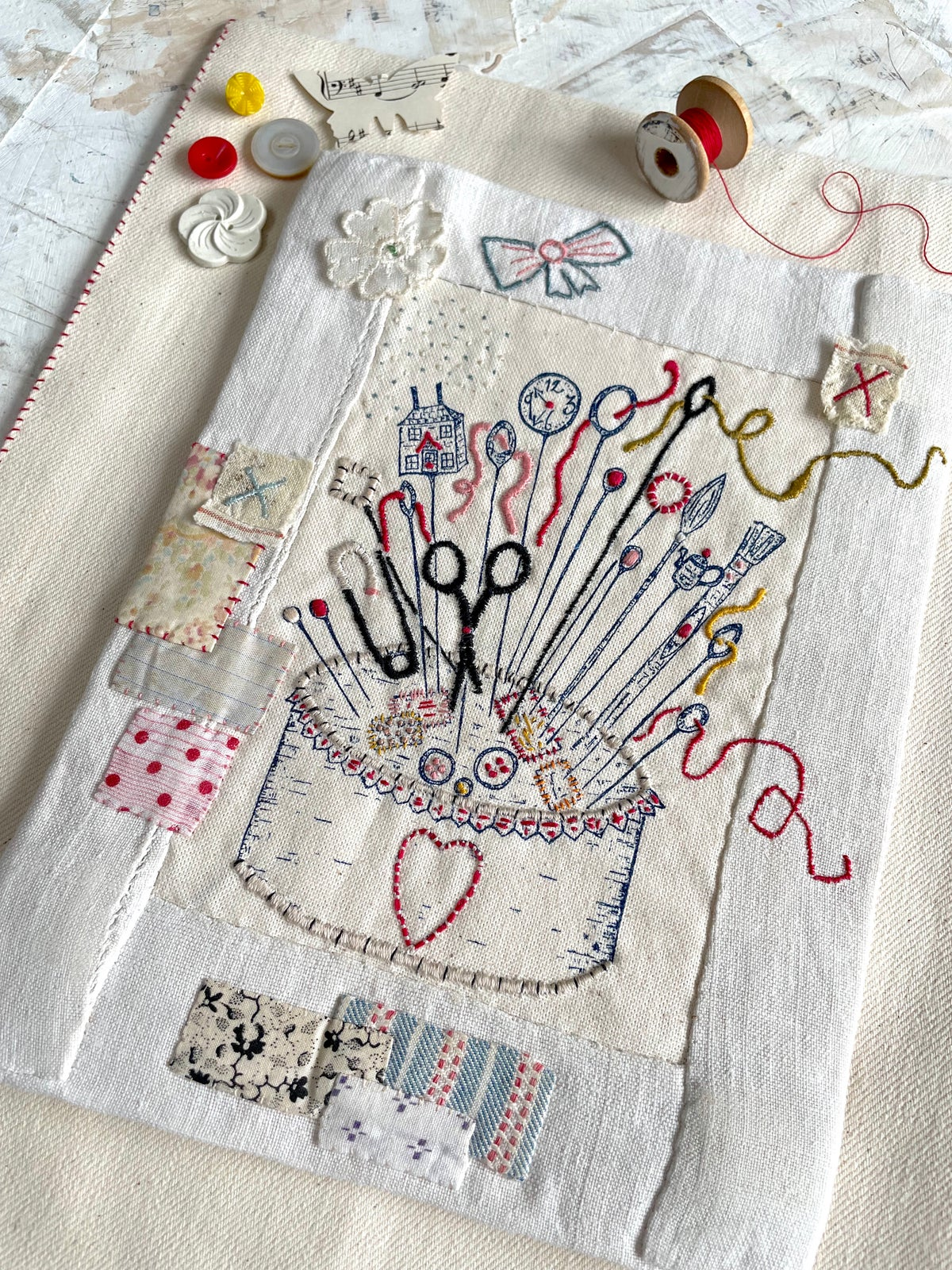 Image of 'Pin cushion' embroidey template