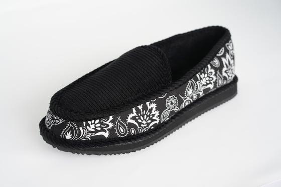 Image of Homie Gear Bandana Slipper With Free Bandanas included