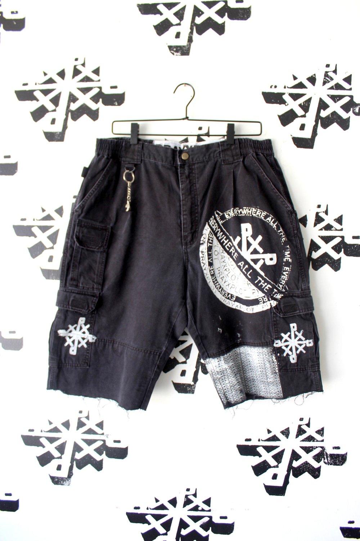 kinda clean cargo shorts in black