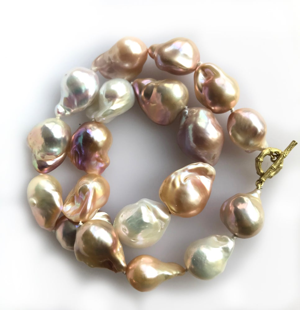 Image of Mixed Color Pearl Necklace 18k Bamboo Clasp
