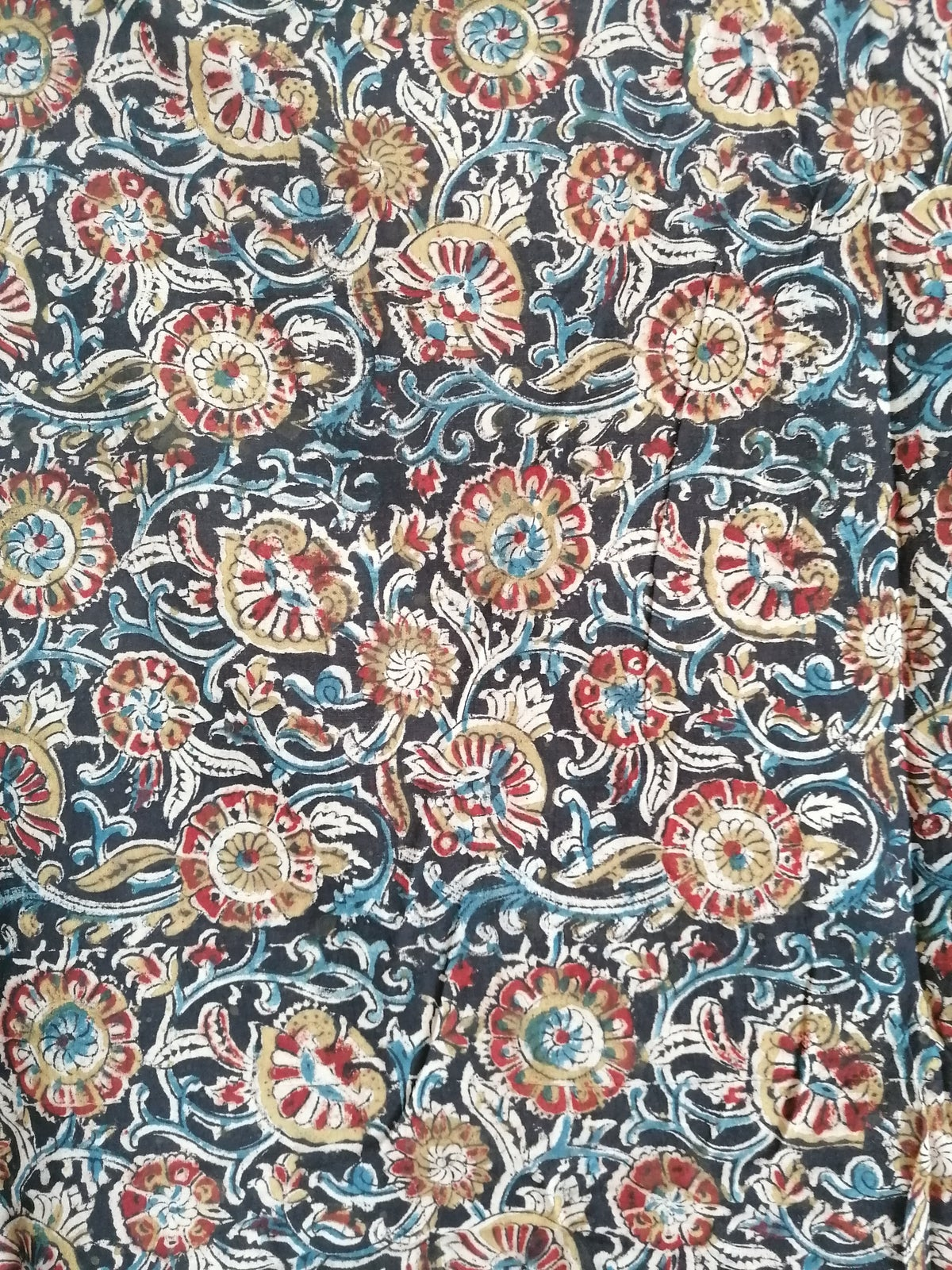 Image of Namasté fabric kalamkari noir pointe de rouge