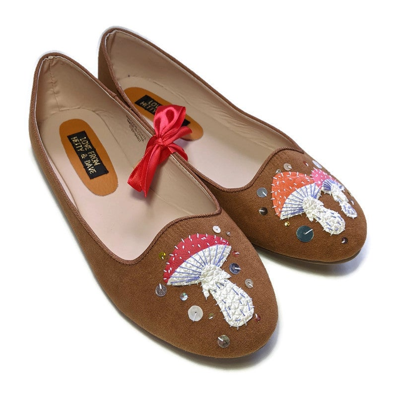 Image of LIMITED Tan Toadstool Shoes