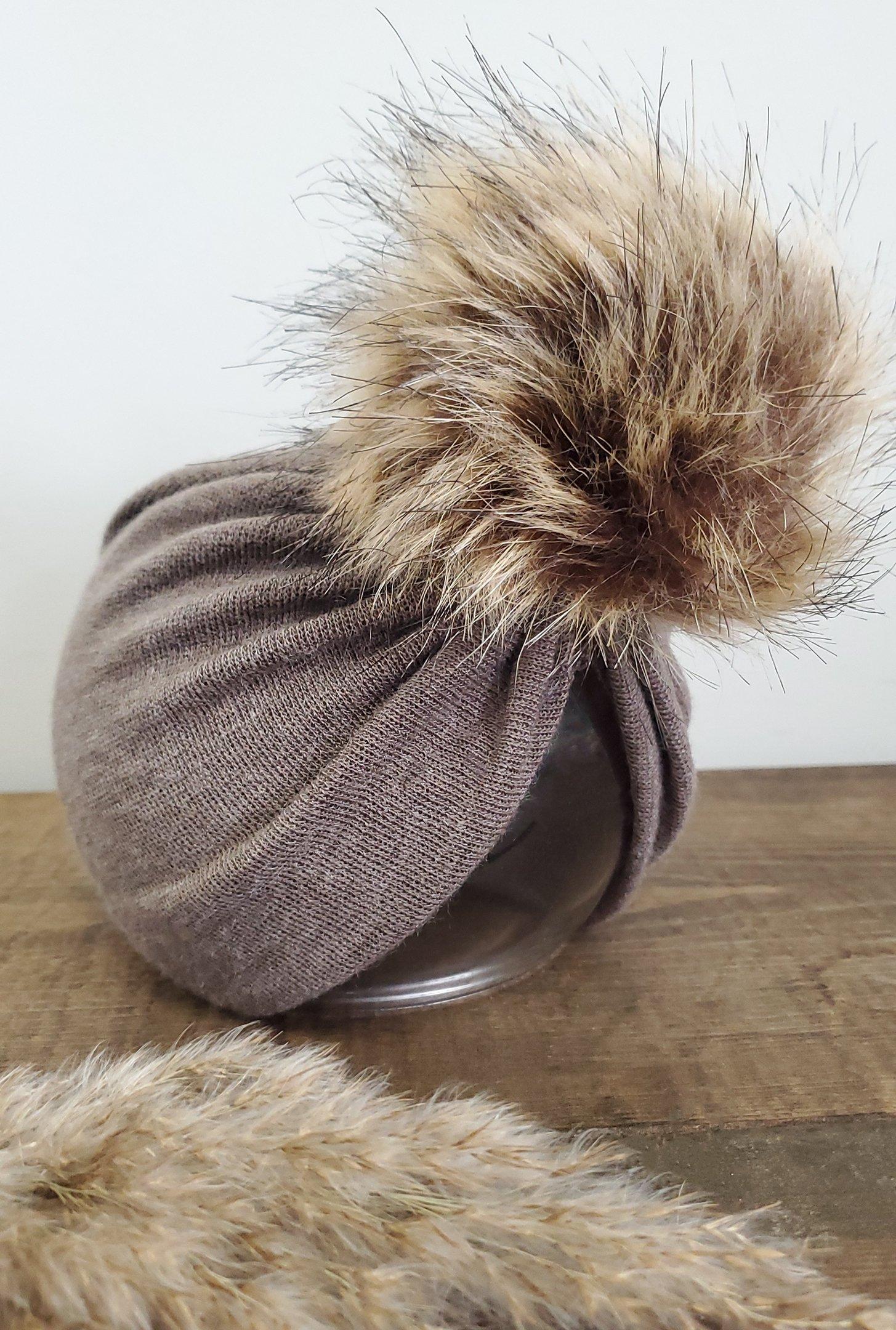 Image of Espresso knit POM turban