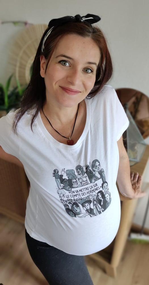 Image of The Simones x Fanny Vella - Sur le compte des hormones !