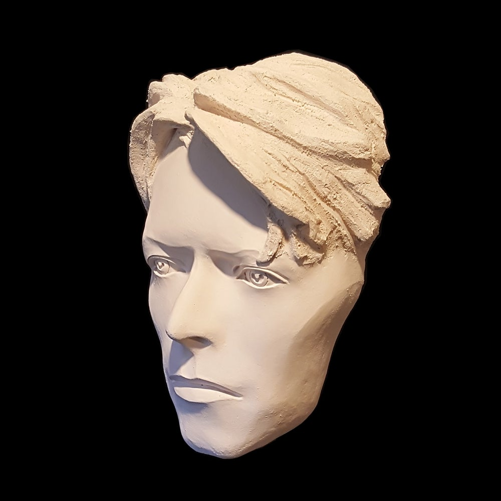 'The Man Who Fell To Earth' Mask Sculpture *UK Stock* White Clay