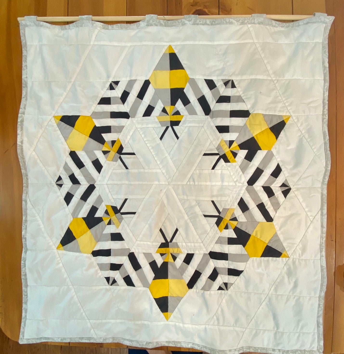 Image of Bee Quilt