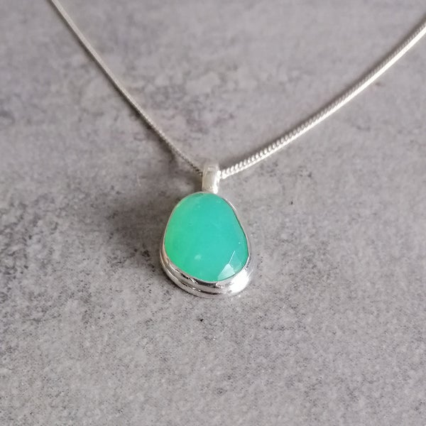 Image of Tiny Chrysoprase pendant